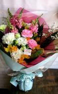 ボリュームたっぷりおまかせ花束